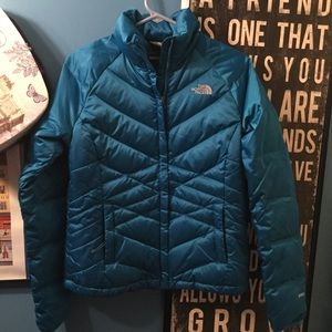 NORTH FACE WOMENS DOWN 550 JACKET SZ S